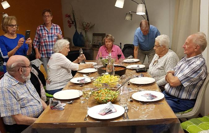 eten-met-buurtgenoten-hoefplan-alkmaar-bij-de-alkenhorst
