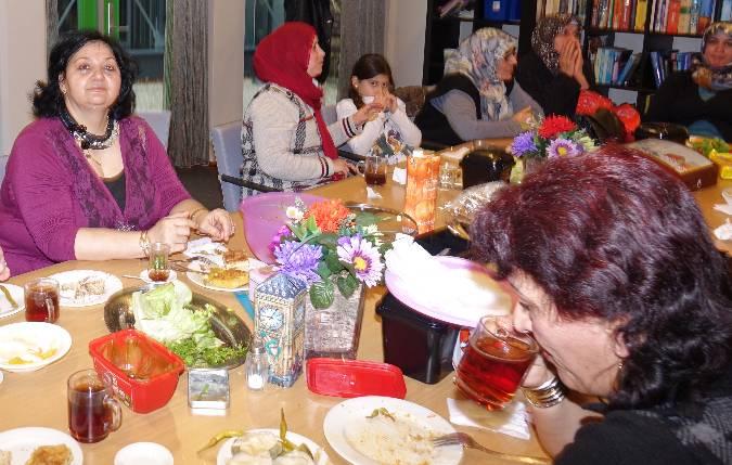 thee-drinken-met-turkse-dames