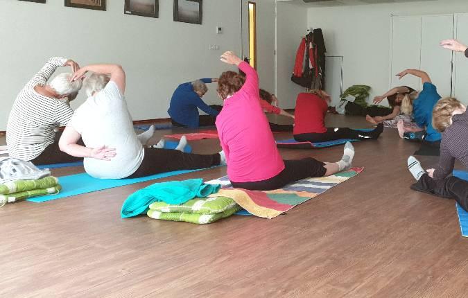 yoga-voor-ouderen-buurthuis-alkmaar
